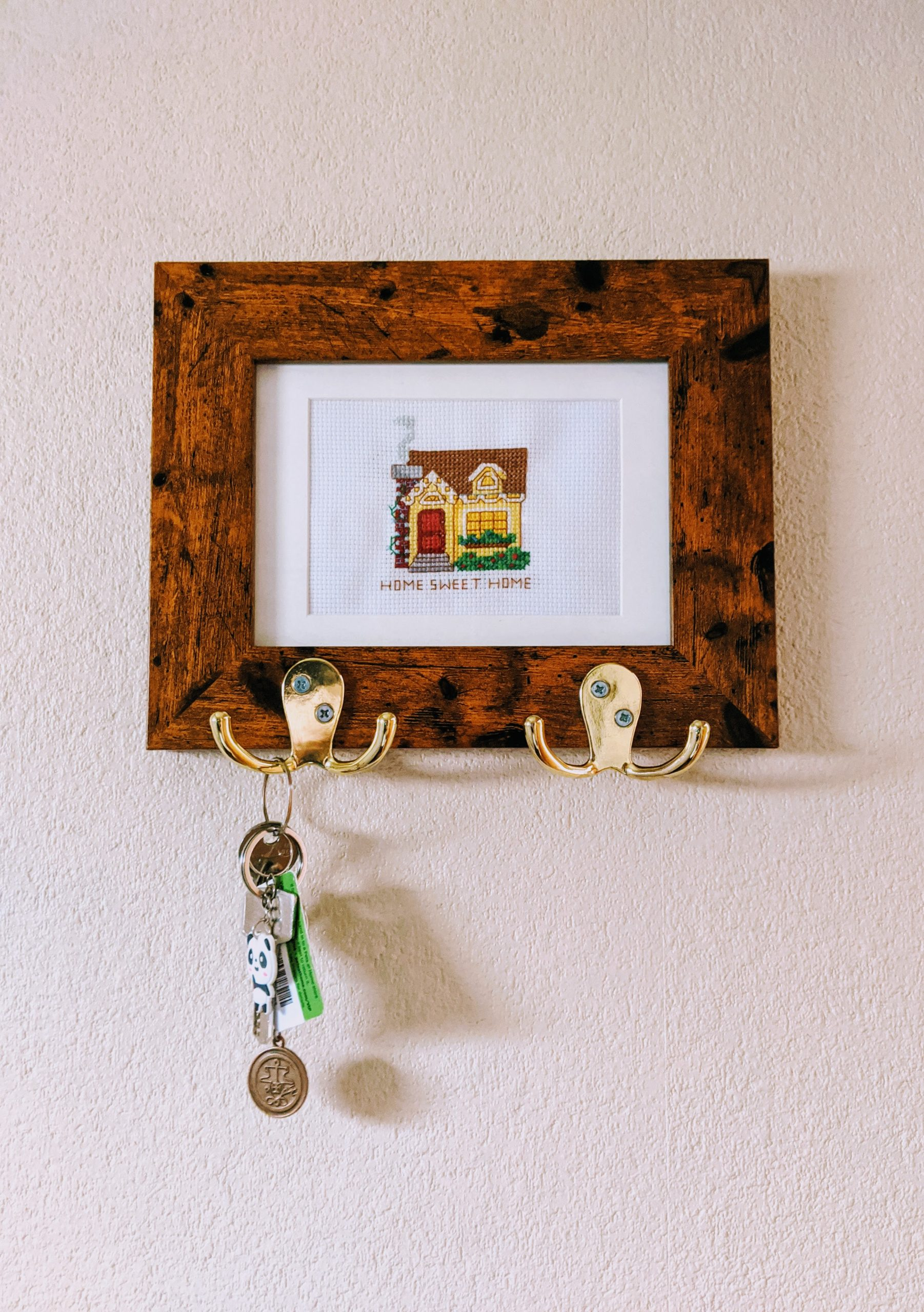 Easy DIY Key Holder (using a picture frame)