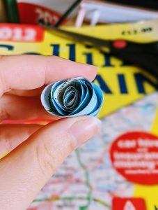 How to make paper flowers - swirl roses