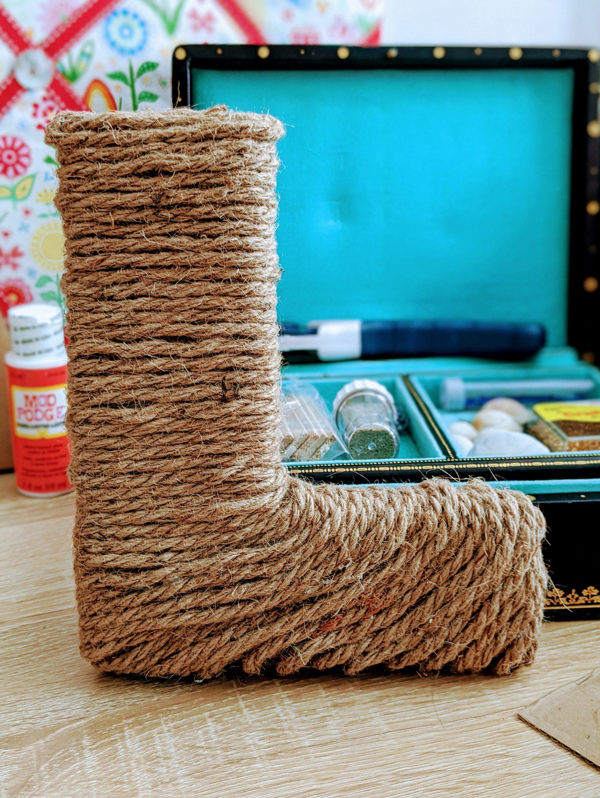 Jute rope cardboard letter