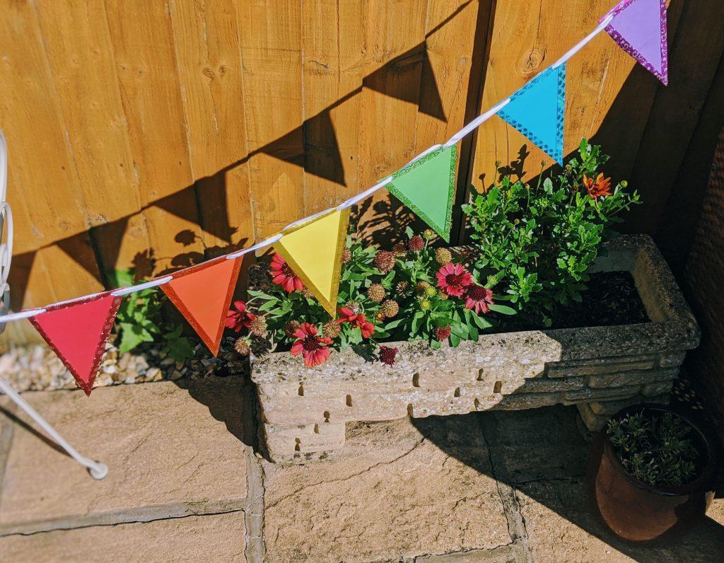 DIY Outdoor Bunting Tutorial