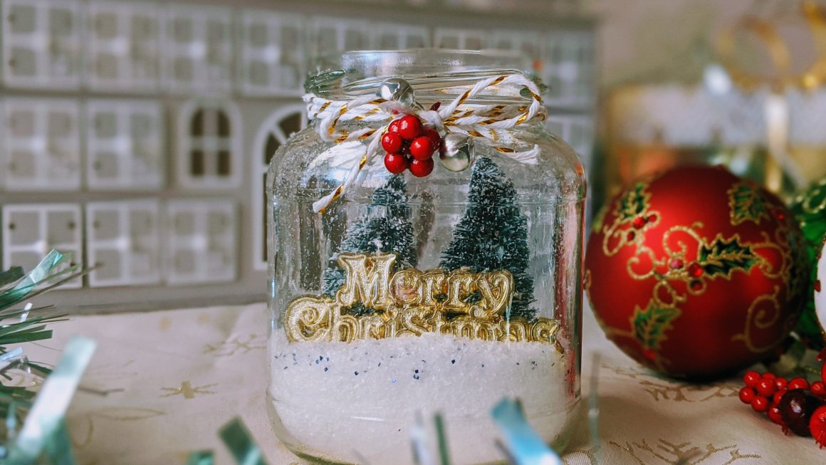 Easy DIY Mason Jar Christmas Ornament