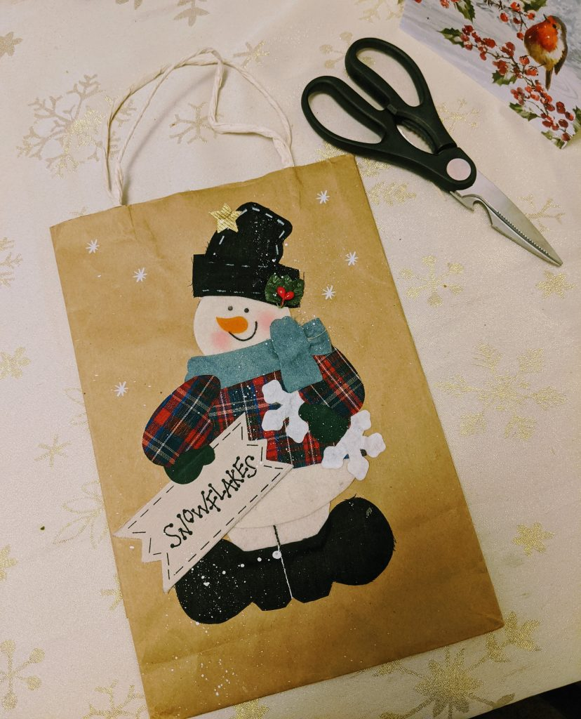 Gift bag wall art tutorial