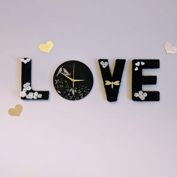 DIY Yarn Wrapped Love Letters Clock