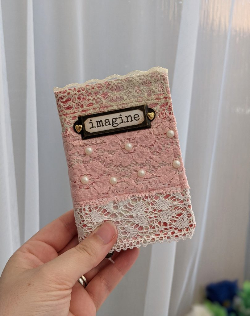 Mini Lace Junk Journal - Imagine Journal