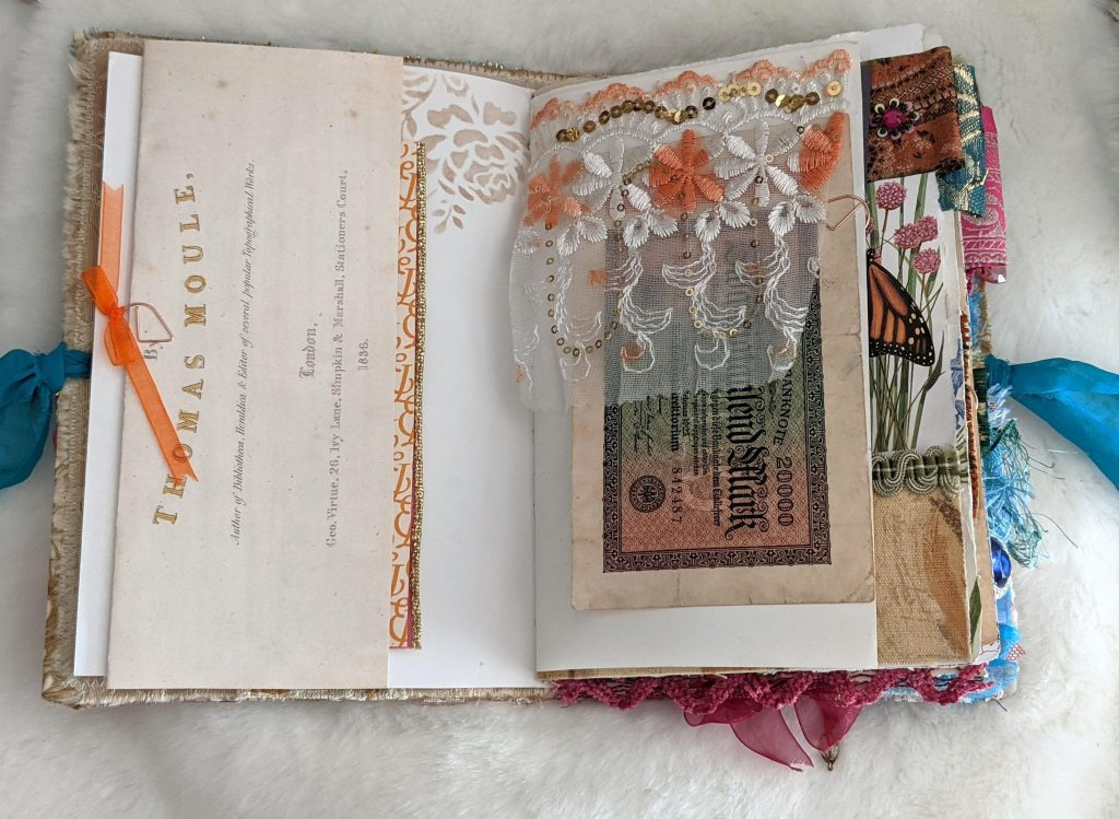 Fold out junk journal page idea